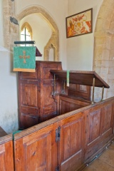 18th century box pews and pulpit