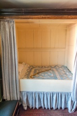The box bed where Carlyle was born