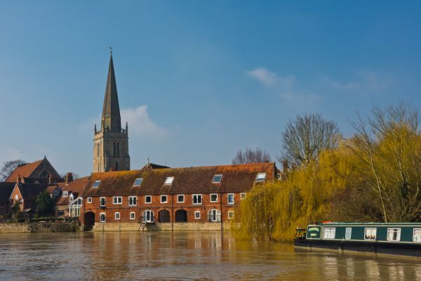 Abingdon-on-Thames photo, St Helen's Church and River Thames