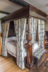 Ancient High House, A 17th century four-poster bed