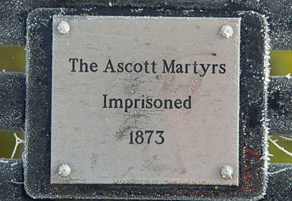 Ascott under Wychwood photo, The Martyr's memorial plaque