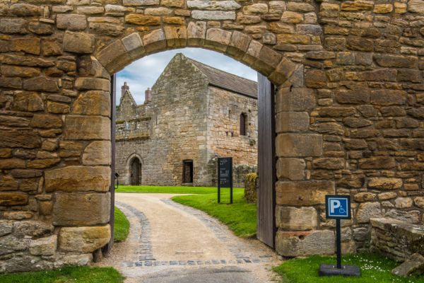 Aydon Castle photo, The main gateway to the castle