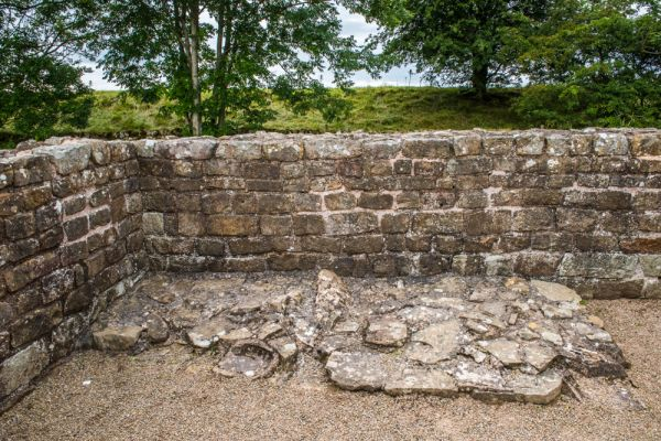 Bank's East Turret (Hadrian's Wall) photo, A stone bench against the north west wall