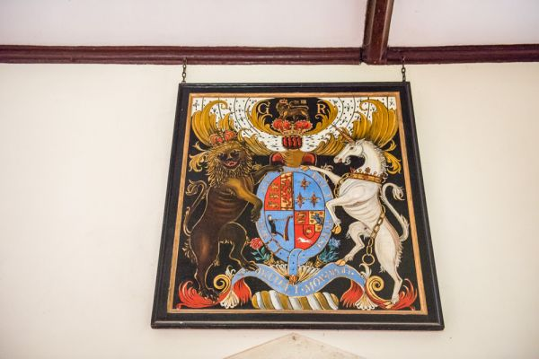 Barton Stacey, All Saints Church photo, Royal coat of arms of George III
