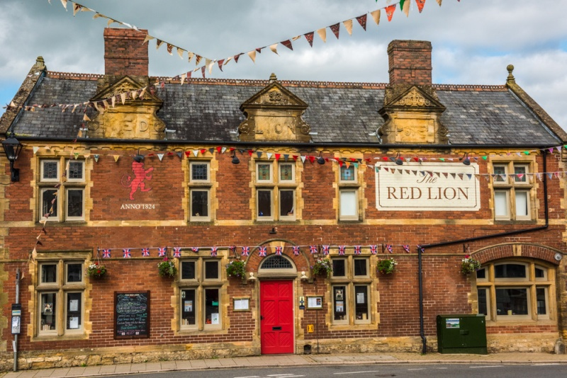 The Red Lion pub in Beaminster