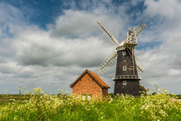 Berney Arms Windmill photo, The mill from the Wherryman's Way