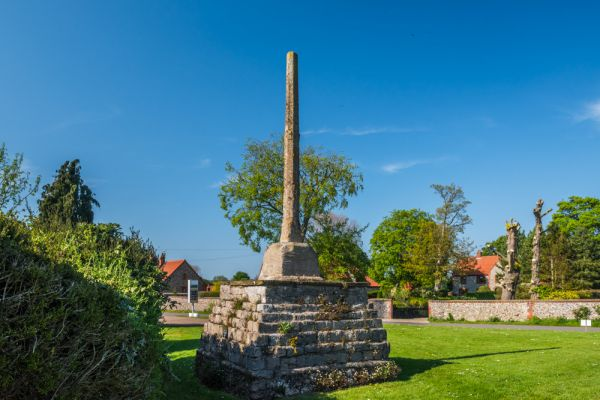 Binham Market Cross photo, An unobstructed look at the cross and plinth