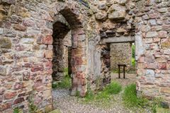 Blenkinsopp Castle, Inside the castle ruins