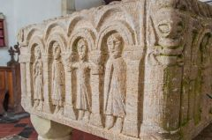 Another look at the font carvings