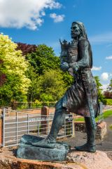 Burgh-by-Sands, Statue of Edward I