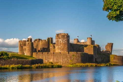 Caerphilly Castle - History, Travel, and accommodation information