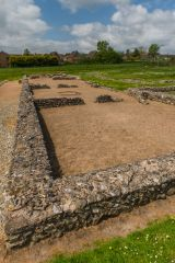 4th century courtyard building foundations