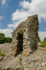Castle Acre Castle, Remains of the first curtain wall