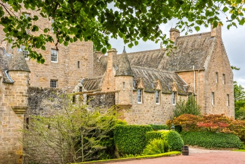 Cawdor Castle, History & Travel Information   Historic ...