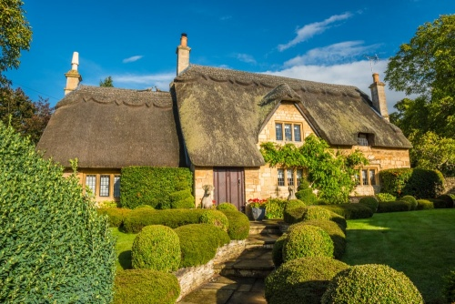 Thatched cottage on Sheep Street, Chipping Campden