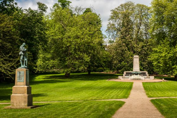Christchurch Park war memorials