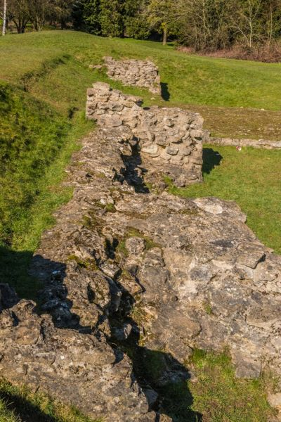 Cirencester Roman Wall photo, A closer look at the wall construction