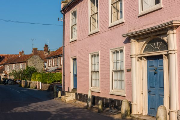 Cley next the Sea photo, A 'pretty in pink' Georgian house