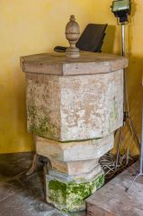 The octagonal Norman font