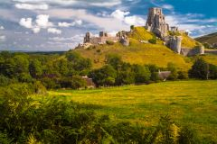 Corfe Castle village, The spectacular castle ruins