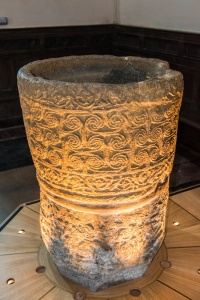 The 9th century font