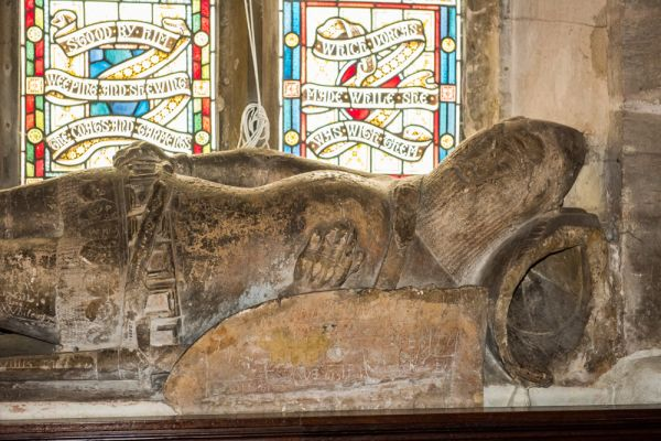 Dorchester, St Peter's Church photo, Effigy of a 14th century knight
