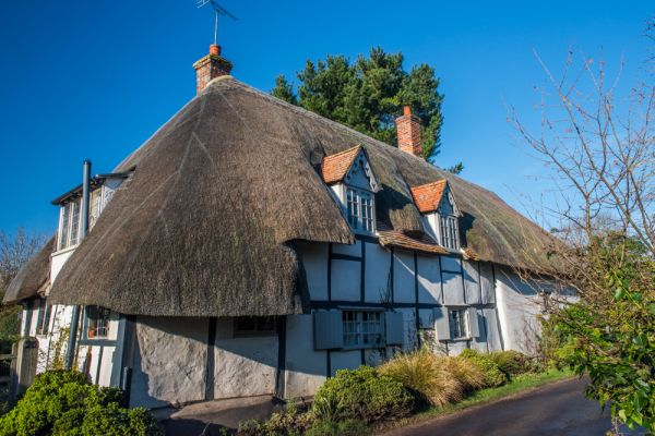 Dorchester-on-Thames photo, A thatched cottage on Watling Lane
