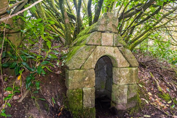Duloe photo, St Cuby's holy well