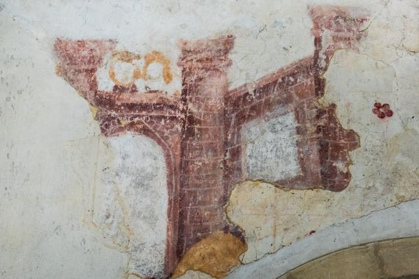 East Wellow, St Margaret's Church photo, 13th century wall painting of Daniel in the lions' den