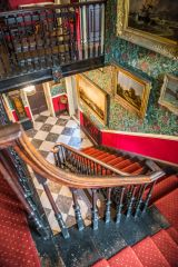Elizabethan House Museum, The main staircase