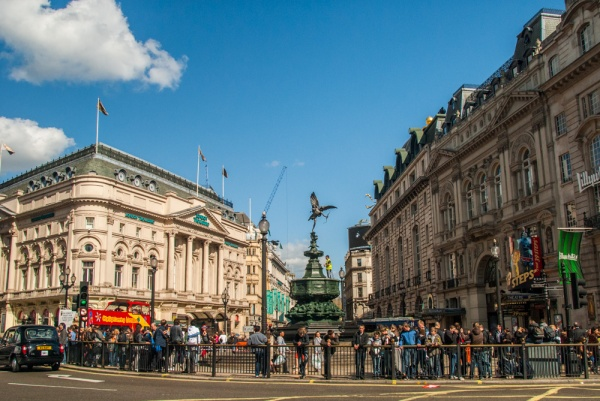 Hotels Near Piccadilly Line Tube Stations