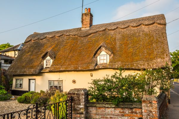 Eye photo, A thatched cottage on Castle Street