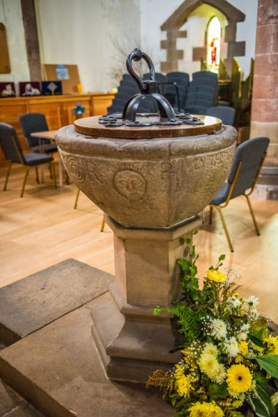 Haltwhistle, Holy Cross Church photo, The 17th century font