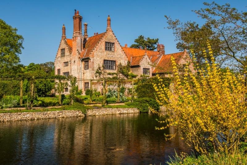 Hindringham Hall & Gardens, Norfolk | History & Photos