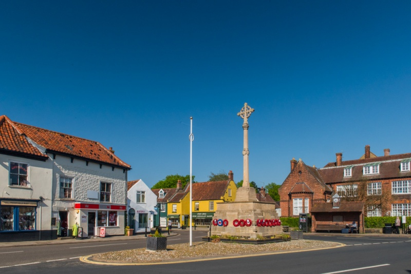 Market Place and the war memorial in Holt