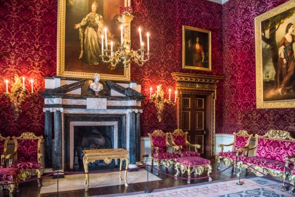 Houghton Hall photo, Another of the richly furnished state rooms