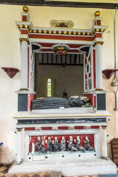 Hurstbourne Priors, St Andrew's Church photo, The Oxenbridge Altar Tomb, 1574