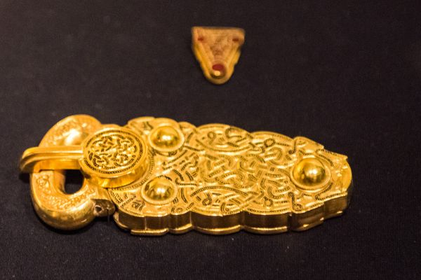 Ipswich Museum photo, Replica gold piece from the Sutton Hoo ship burial, c. 625