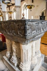 Another look at the 12th century font