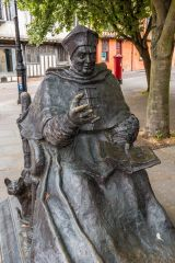 Statue of Cardinal Wolsey, St Peters Street