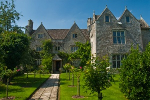 Morris' home of Kelmscott Manor