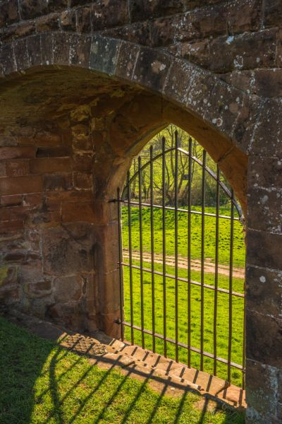Kenilworth Castle photo, The water gate
