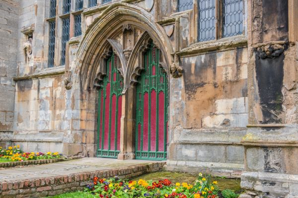 King's Lynn, St Nicholas Chapel photo, The colourful west door