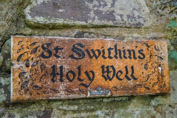 Launcells Barton photo, The holy well sign