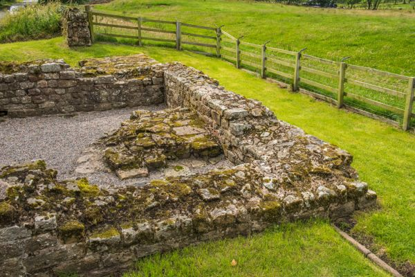 Leahill Turret and Piper Sike Turret (Hadrian's Wall) photo, The northeast corner of Leahill Tturret