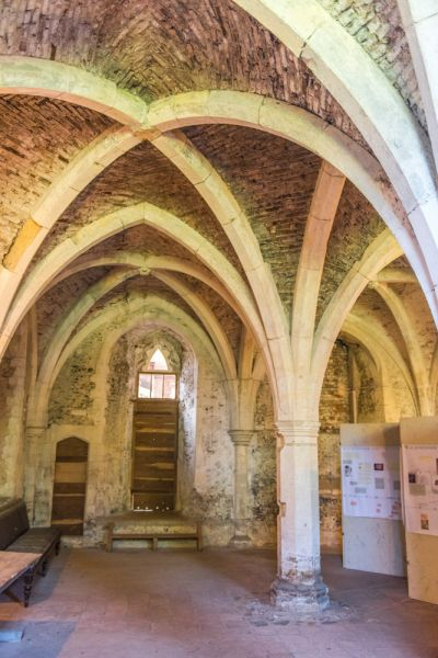 Walsingham Abbey photo, The vaulted crypt