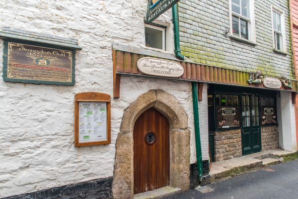 Looe photo, The Smugglers Cott, built in 1430
