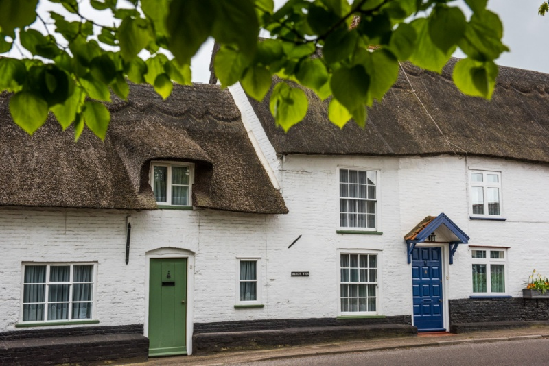 Thatched cottages on Yarmouth Road
