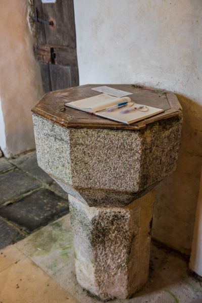 Luffincott, St James Church photo, The 14th century font