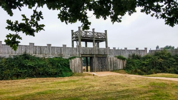 Lunt Roman Fort photo, The rebuilt gatehouse and fort walls
